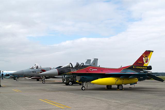 F-15、F-2